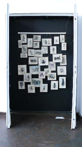 Tagebuch, 2010- 2011, 150 x 250cm, Tusche, Tee, Papier, Karton, Holzleiste, Angelschnur